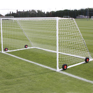 Harrod UK Freestanding Heavyweight Steel Football Posts 16ft x 7ft